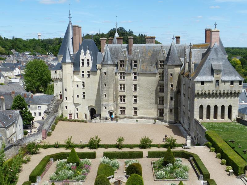 Chateau-de-Langeais-jardin-fleurs-aromates-les-causeries-culinaires-recettes-ancetres-boutique-cours-cuisine-histoire