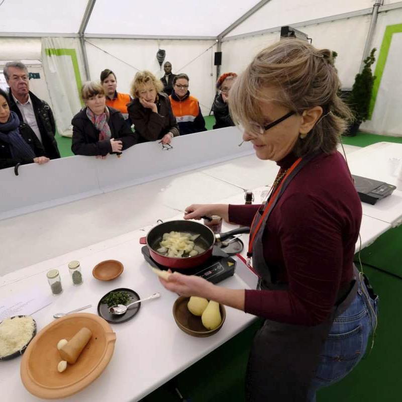 demonstration-de-cuisine-les-causeries-culinaires-cuisine-historique-sylvie-campech-perigueux